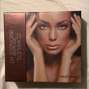 Complete Face & Body Bronzer Kit by Profusion.